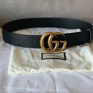 Black leather pigskin Gold buckle GG belts